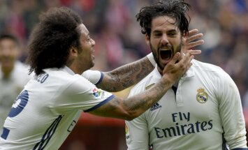 "Real Madrid Francisco ""Isco"" Alarcon celebrates with Marcelo"