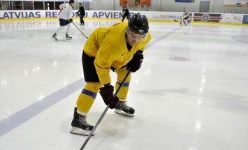 Latvijas hokeja izlase ar dažiem līderiem sāk gatavošanos PČ