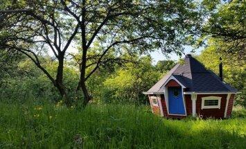 Namiņš Lapzemes ezerā, hobitu māja un citi: labākās vietas, kur 2017. gadā aizbēgt no ikdienas