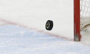 Latvijas U-18 hokeja izlases vārtsargs Rauza: kanādieši izjauca mūsu spēles plānu