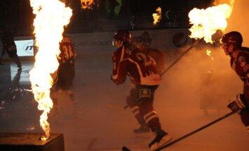 Rīgas 'Dinamo' izbraukumā tiekas ar neveiksmīgi spēlējošajiem 'Atlant' hokejistiem