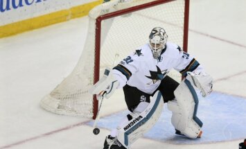 San Jose Sharks goalie Martin Jones