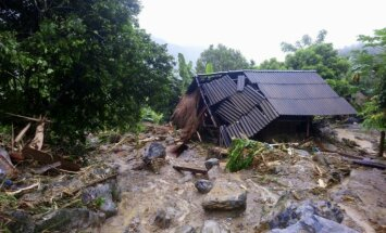 Vjetnamā bojāgājušo skaits plūdos un zemes nogruvumos pieaudzis līdz 68