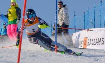 Kalnu slēpotājai Gasūnai pietrūkst nepilna pussekunde līdz iekļūšanai PK sacensību otrajā braucienā