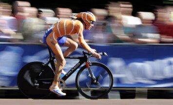 Diskvalificētais riteņbraucējs Dekers sola publiski nosaukt dopinga lietotāju vārdus