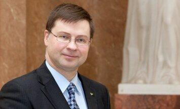 Домбровскис прокомментировал статью о взятке за поддержку Каталонии