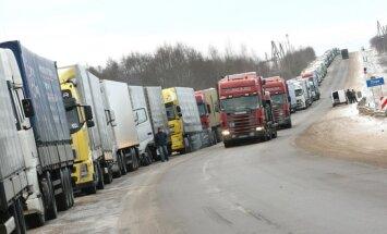 Valdības solītie glābšanas pasākumi iestrēguši varas gaiteņos, gaužas autopārvadātāji