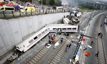 Spānijā avarējušā vilciena vadītājs mazrunīgs par negadījumu