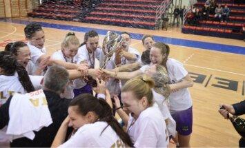 Foto: Svinības meiteņu stilā – 'TTT Rīga' atkal triumfē Latvijas čempionātā