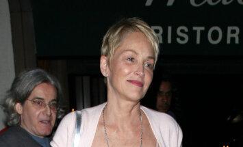 И морщинки не страшны: Шэрон Стоун показала лицо без макияжа