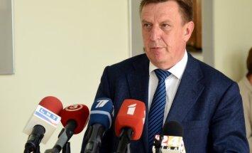 """Премьер: школьную реформу еще """"откорректируют"""" после переговоров с самоуправлениями"""
