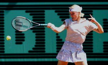 49 gadu vecumā mirusi kādreizējā Vimbldonas čempione Jana Novotna