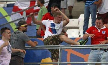 Aiz Marseļas futbola vardarbības stāv 150 labi trenētu krievu, paziņo prokurors