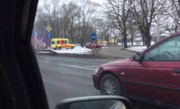 ВИДЕО: В Тирайне произошла очередная авария; обещанного светофора до сих пор нет