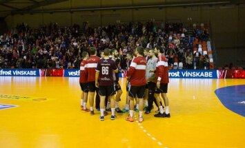 Latvijas handbolisti EČ kvalifikācijas turnīra priekšpēdējā spēlē zaudē Ungārijai