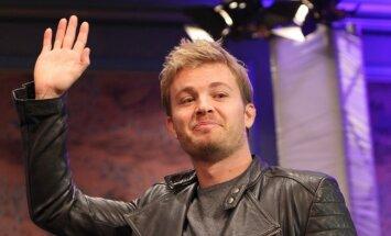 Jaunais F-1 čempions Niko Rosbergs paziņo par aiziešanu no karaliskās autosporta klases