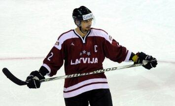 Latvijas hokeja izlasei treniņos pievienojas Vasiļjevs