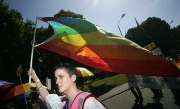 Krievijas senators pieļauj iespēju atzīt viendzimuma laulības valstī