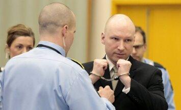 Breiviks tiesā sola 'līdz nāvei' cīnīties par nacismu
