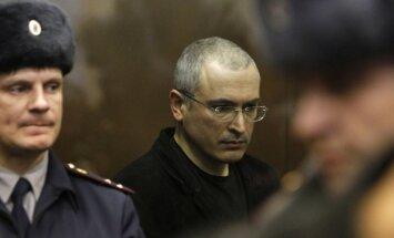 Hodorkovskis pametis Krieviju un ieradies Berlīnē (16:53)