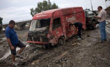 Plūdos Spānijā iet bojā divi lietuvieši; viens pazūd bez vēsts