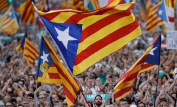 Spānija noliedz, ka kontroles atjaunošana pār Kataloniju būtu apvērsums