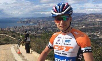 MTB riteņbraucējs Blūms pievienojas Nīderlandes komandai