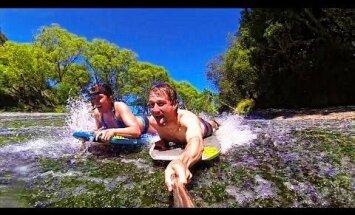 Video: Milzu klints kā dabīgais slidkalniņš – trakulīga atpūta Jaunzēlandē