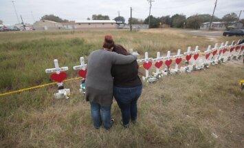 Izmeklētāji: Teksasas šāvējs savus upurus nogalinājis metodiski