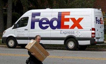 Aizsnaudies 'FedEx' darbinieks kļūst par nelegālu pasažieri kravas lidmašīnā