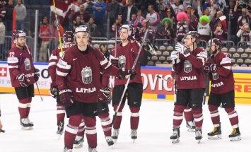 Latvijas hokejisti pēc smagās spēles pret slovākiem izvairījušies no traumām