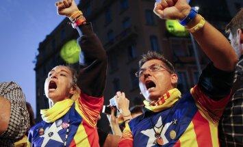 Katalonijas amatpersonas negrasās pakļauties Madridei