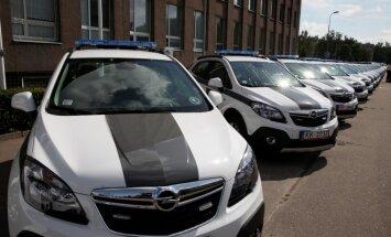 Valsts policija saņem 356 jaunas automašīnas