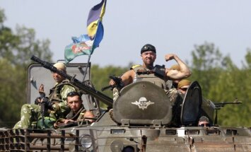 Ukrainas valdības spēki ielenkuši teroristus Horļivkas rajonā