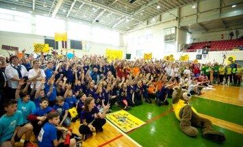 'ZZ Čempionāta' komanda kopā ar Zī un Zē dodas apciemot Latvijas skolas