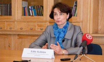 Atlūgumu iesniegusī Valsts administrācijas skolas direktore amatu pametīs aprīlī