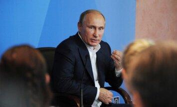 Putins brīdina par lielvaru konflikta iespējamību; 'uzvarētāji' vēloties izmainīt pasauli