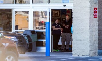 Traģēdija ASV: divus gadus vecs zēns nejauši nošauj savu māti