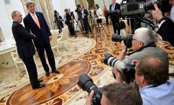 Kerijs Maskavā ticies ar Putinu