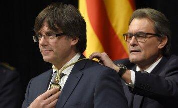 Katalonijas jaunais prezidents inaugurācijas ceremonijā nezvēr uzticību Spānijai