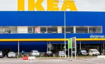 Pēc traģiskās bērnu nāves IKEA piedāvā 27 miljoniem pārdotu kumožu saņemt bezmaksas stiprinājumus