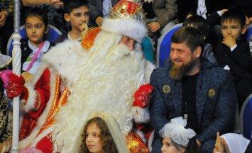 Krievija pieprasa paskaidrot, kāpēc bloķēti Kadirova soctīklu konti