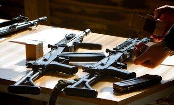 ASV senatori aicina Ukrainai piegādāt ieročus