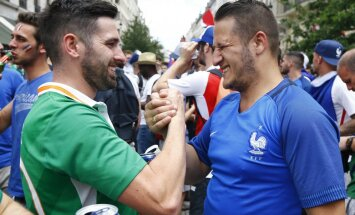 France and Ireland fans