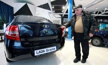 Jaunu auto tirdzniecība Krievijā kritusi par piekttdaļu