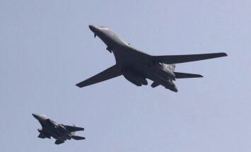 Ziemeļkoreju sanikno ASV bumbvedēju ierašanās Dienvidkorejā
