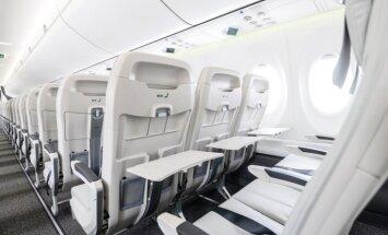 Foto: 'airBaltic' saņem desmito 'Airbus A220-300' lidmašīnu