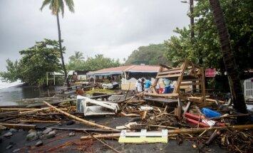 Foto: Viesuļvētra 'Marija' sāk postažu Karību jūras salās