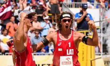 Samoilovs un Šmēdiņš līdzjutēju skaļi atbalstīti triumfē Olštinas 'Grand Slam' posmā