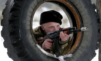 Prokrieviskie spēki Donbasā sagrābuši stratēģiski svarīgo Lohvinovi
